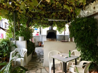 Restaurante local A Antiguinha